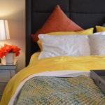 Wiosenne pomysły na aranżację sypialni. Pościele 3D i piękne dodatki