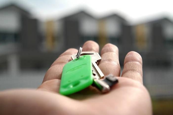 Mieszkanie czy dom – co wybrać?