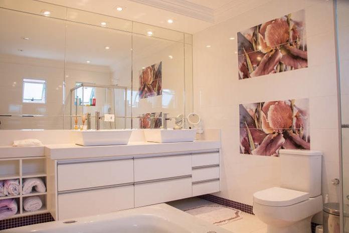 Glazura do łazienki w tradycyjnych i nowoczesnych wnętrach