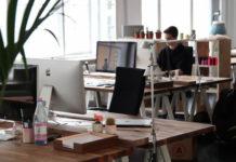 Jak przechowywać segregatory w biurze?