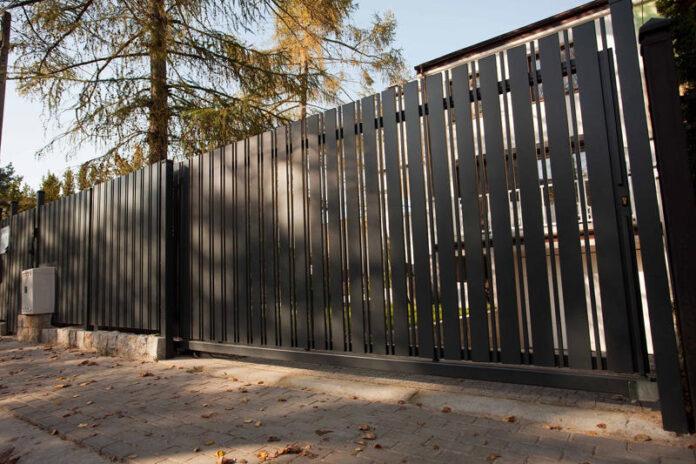 Rodzaje ogrodzeń - z czego zbudować ogrodzenie domu?